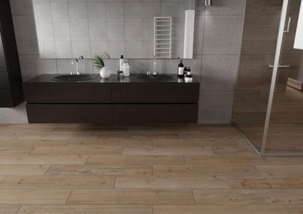 podłoga drewnopodobna w łazience z betonem
