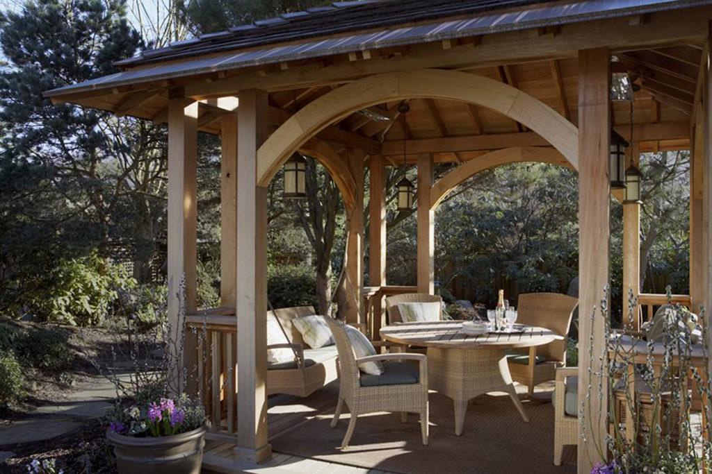 Farby do drewna - altana ogrodowa - czym malować?