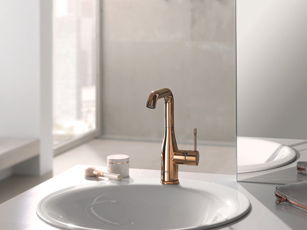 Gustowna bateria umywalkowa stojąca GROHE do eleganckiej łazienki